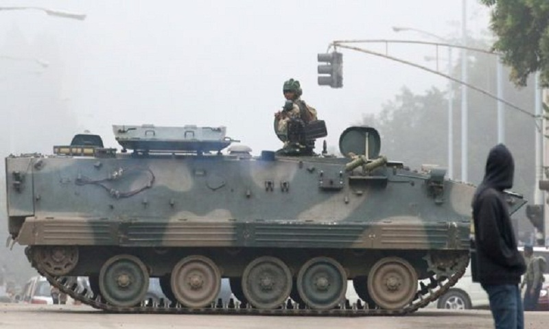 Zimbabwe crisis: Army takes over - Mugabe 'detained' (Video)