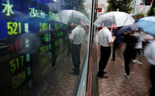 Asian stocks, oil prices steady