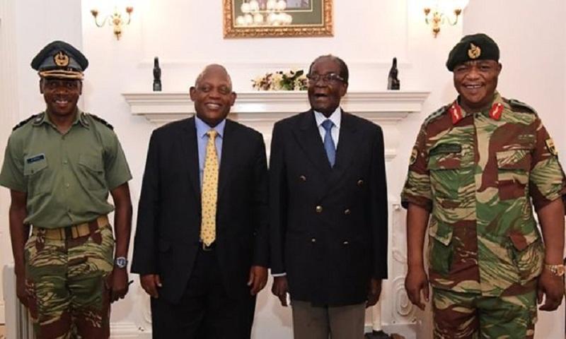 Mugabe 'resisting calls to resign'