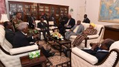Mugabe in crunch talks over his future