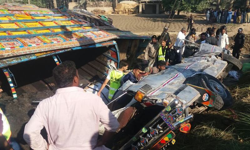 Truck and minibus collide head-on in Pakistan, killing 20
