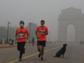 Delhi half marathon goes ahead despite smog, health warnings