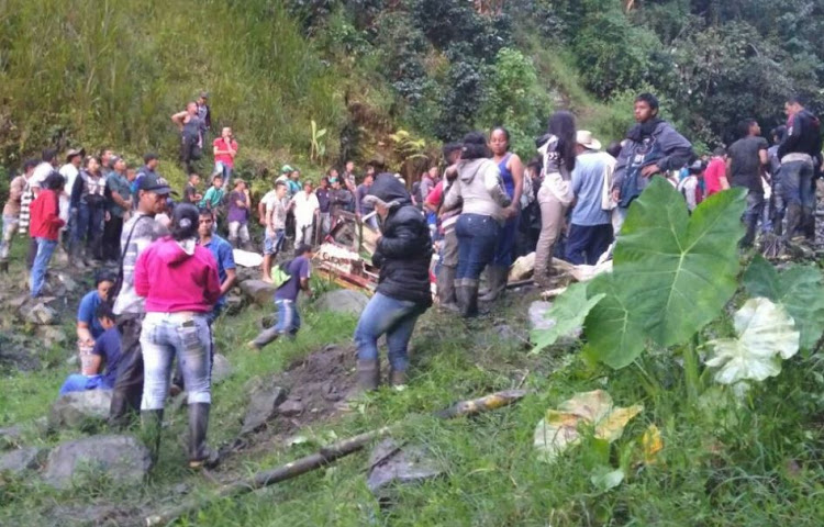 14 killed in Colombia bus accident