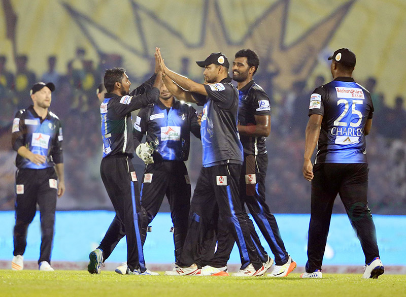 Rangpur Riders snatch nerve-wreaking victory against Dhaka Dynamites