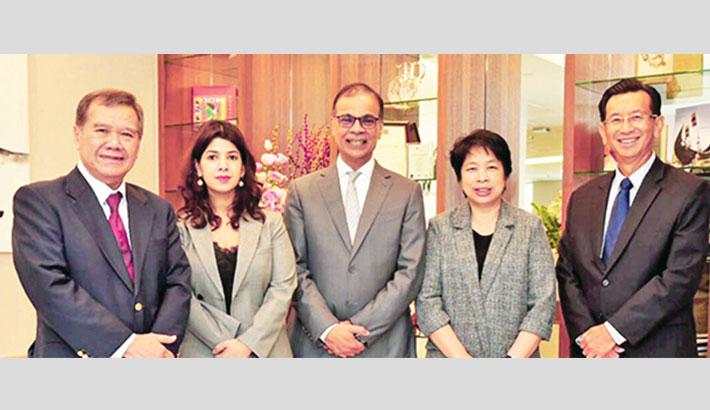 Summit gets three independent directors