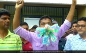 Indian man stuffs 459 straws in his mouth, sets world record (Video)