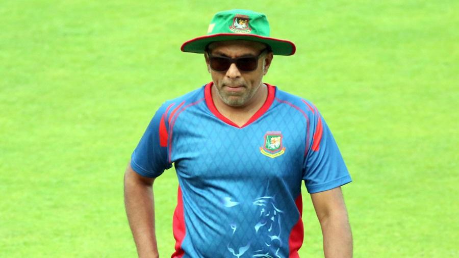 Sri Lanka Cricket seeks Bangladesh coach Chandika Hathurusingha