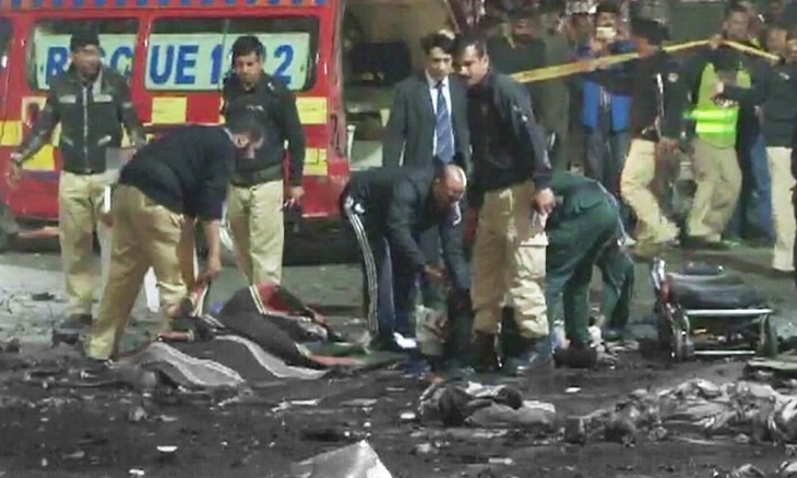 Suicide blast kills senior police official in Pakistan