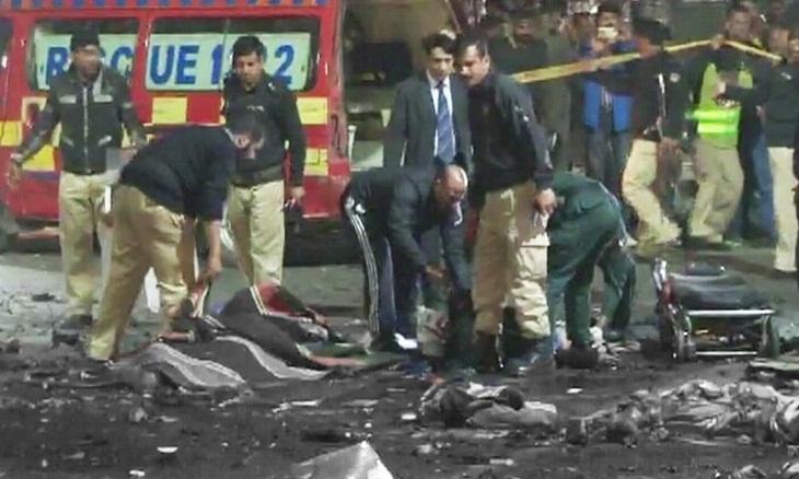 Suicide blast kills senior police official in Pakistan