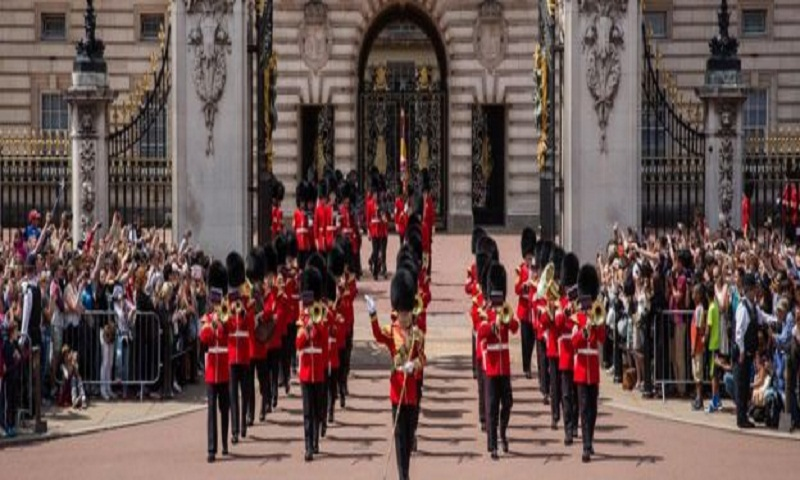 Sailors to perform Changing the Guard outside Buckingham Palace in historic first