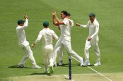 England in trouble as Australia claim Root wicket
