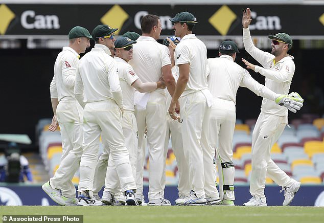 England all out for 195; sets a target of 170 for Australia