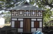 Homna's traditional prefabricated houses still popular