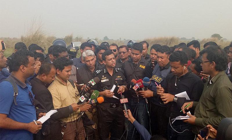 Three killed in raid on militant hideout in Chapainawabganj