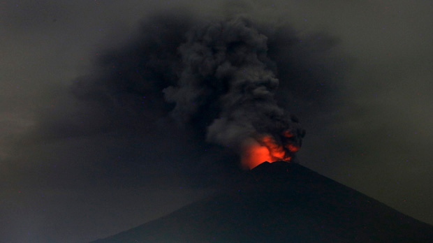 Indonesia volcano forces mass evacuation, shuts Bali airport