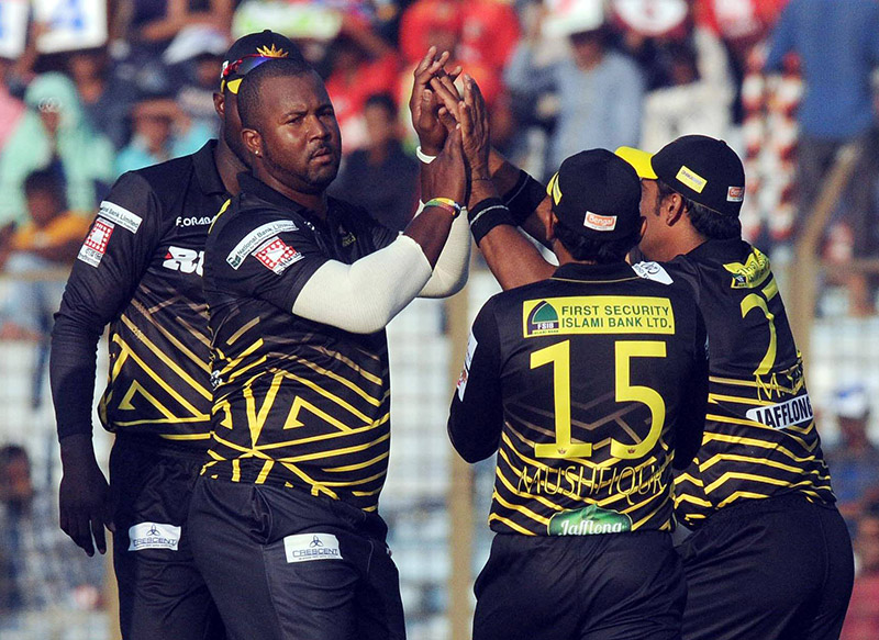 Sammy, Anik secure Rajshahi's 4th victory in BPL against Chittagong Vikings