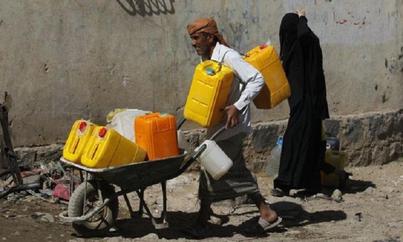 Yemen war: ICRC buys fuel to pump water in stricken cities