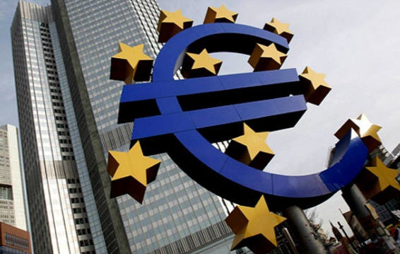 Four candidates battle for top eurozone job