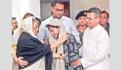 Prime Minister Sheikh Hasina at late DNCC mayor Annisul Huq's Banani residence