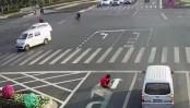 Man sick of traffic repaints road markings, fined (Video)