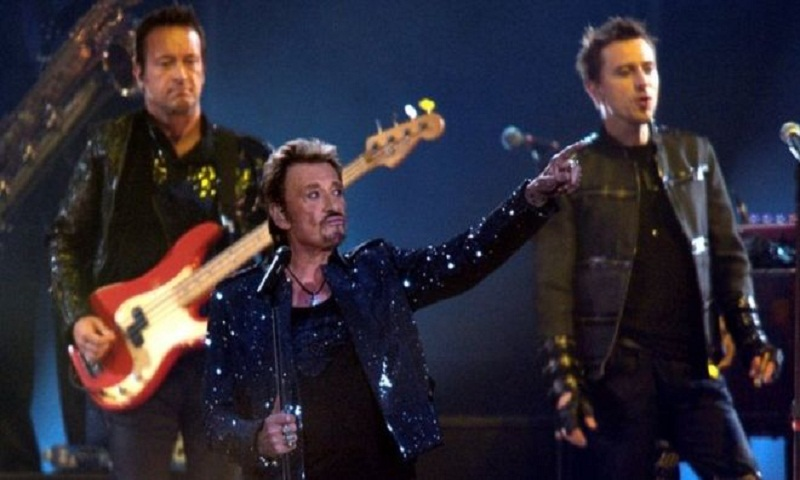 Johnny Hallyday: French rock star dies at 74