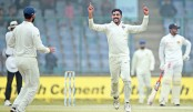 India scent Test victory as pollution makes bowlers vomit