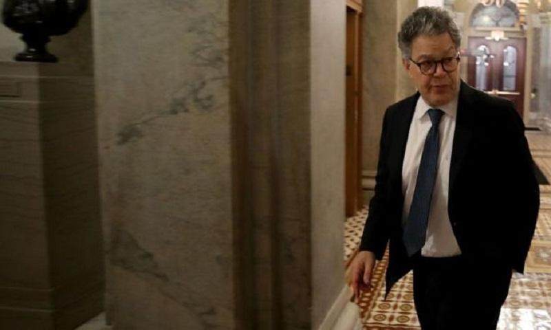 Democrats urge Senator Franken to quit amid groping claims