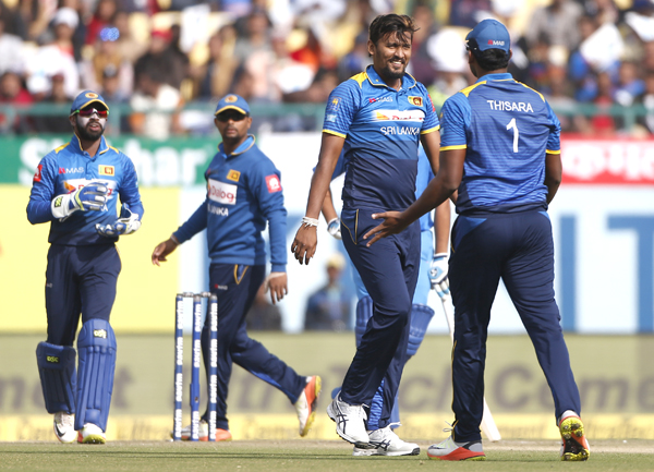 Sri Lanka win toss, bowl against India in 1st ODI