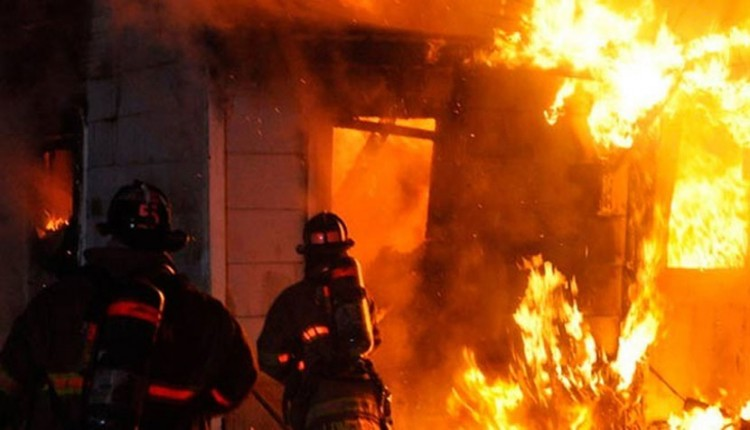 Security guard burnt alive in N'ganj market fire