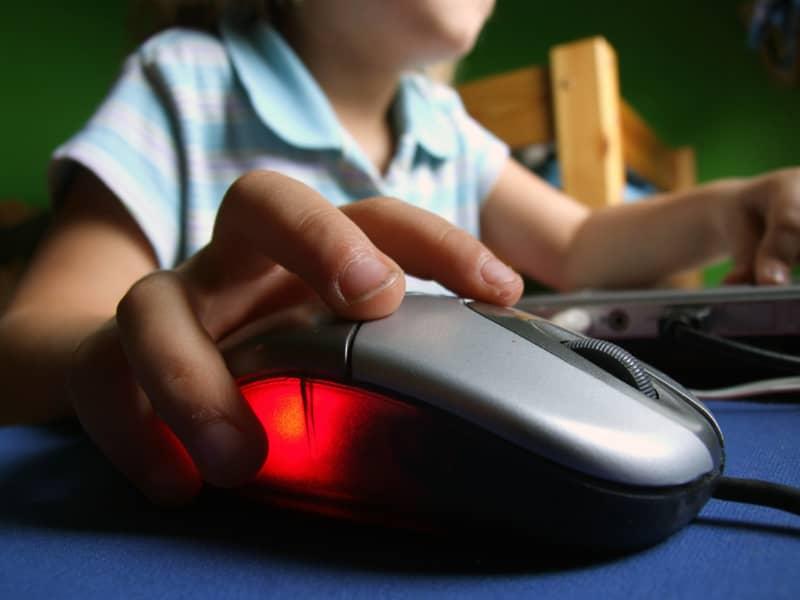 Fewer than 5 percent Bangladeshi children use internet: Unicef