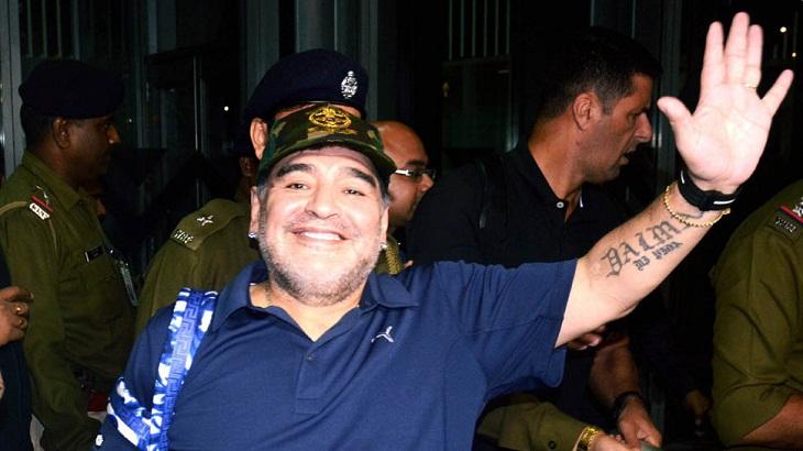 Diego Maradona passing busy hours in Kolkata