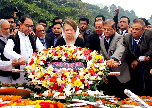 Khaleda pays homage to martyred intellectuals