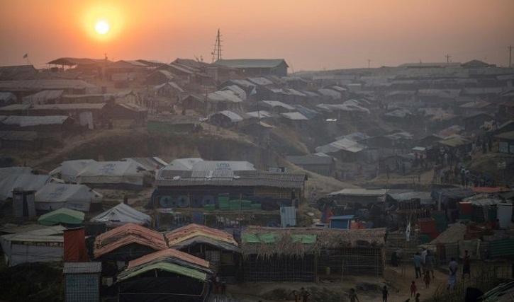 Bangladesh stops Rohingya preparing to board boat to Malaysia