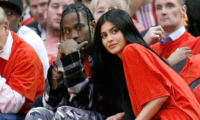 Kylie Jenner desperately wants Travis Scott to spend christmas with her and The Kardashians