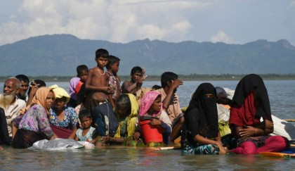 6,700 Rohingyas killed in 1st  month of Myanmar violence