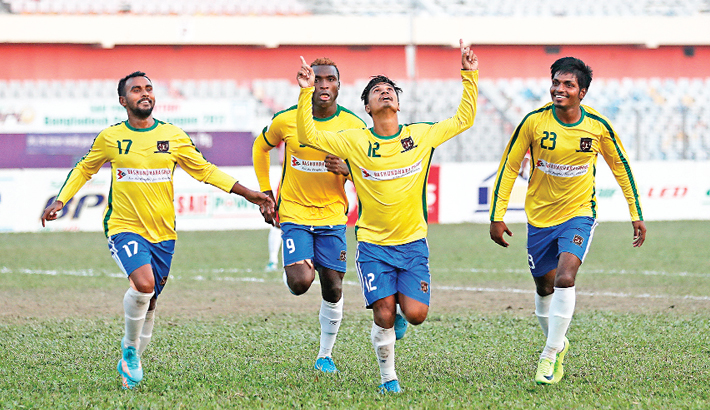 Raphael, Nurul keep  Sk Jamal in title hunt