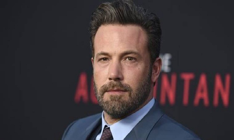 Ben Affleck continues to receive treatment for alcohol addiction