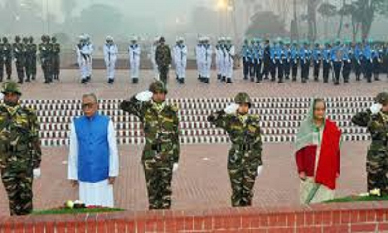 President, prime minister pay tributes to war martyrs on Victory Day