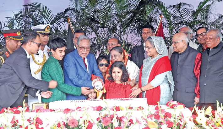 Vows to work for prosperous Bangladesh