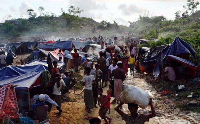 Diplomats visit Rohingya camp