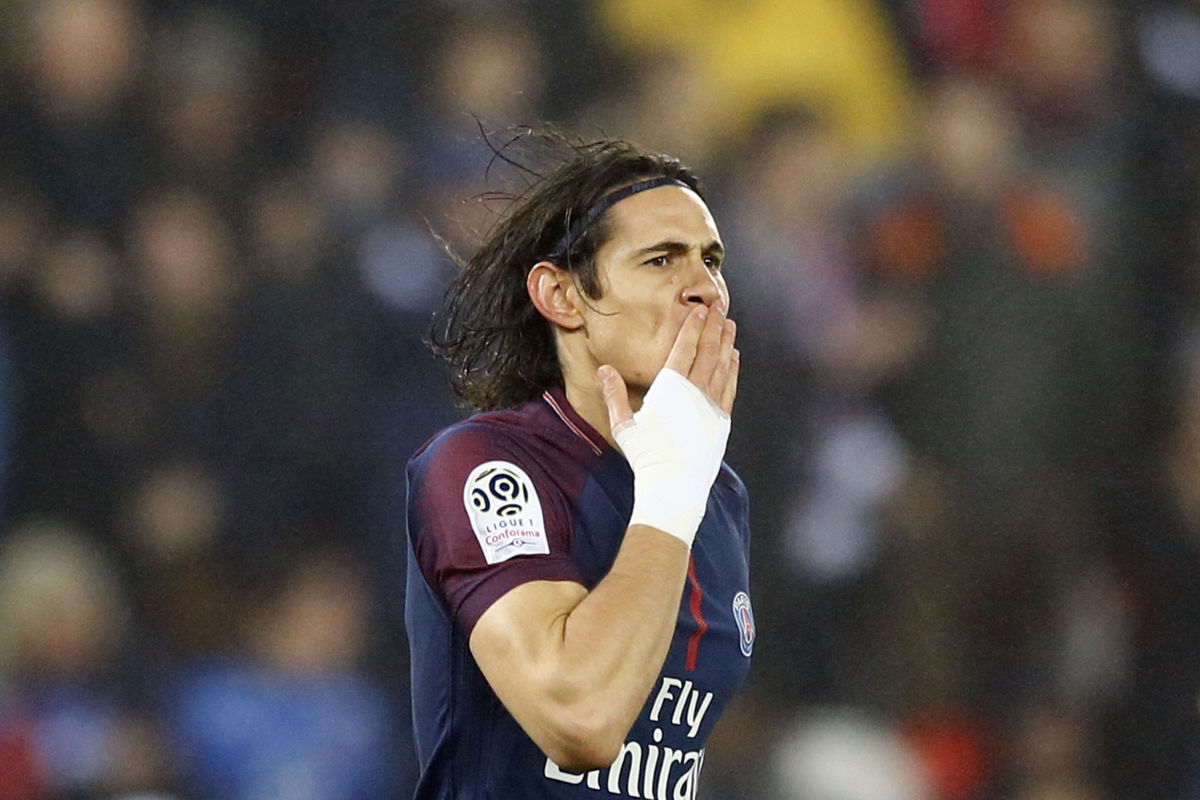Cavani moves 1 behind Ibrahimovic's record as PSG wins 3-1