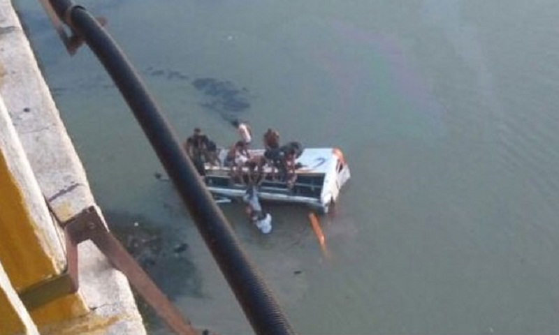 Rajasthan bus tragedy: Death toll rises to 32 as vehicle falls into river (Video)