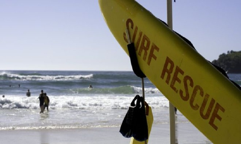 Beach bystanders criticised in Christmas Day drowning