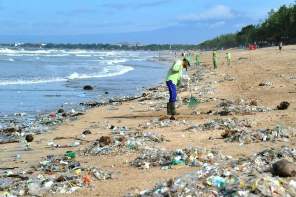 Bali declares 'garbage emergency' amid sea of waste