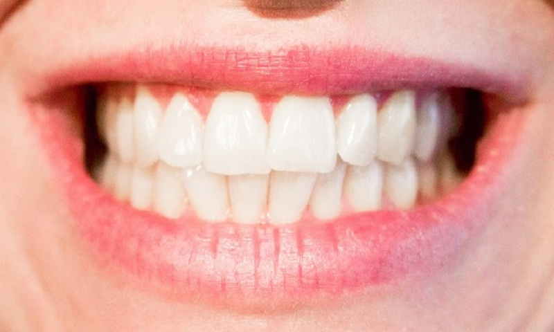 Soothe teeth sensitivity in easy ways
