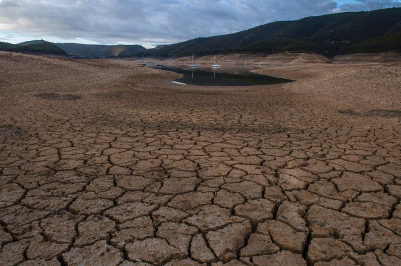 Quarter of land will be drier under 2 C warming: study