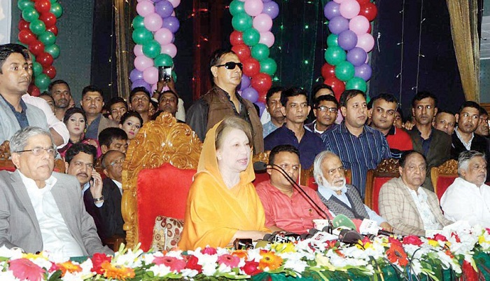 Don't get on Padma bridge, it will be risky: Khaleda