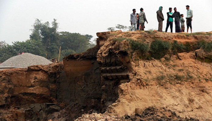 Mudslide kills 4 stone quarry workers in Sylhet