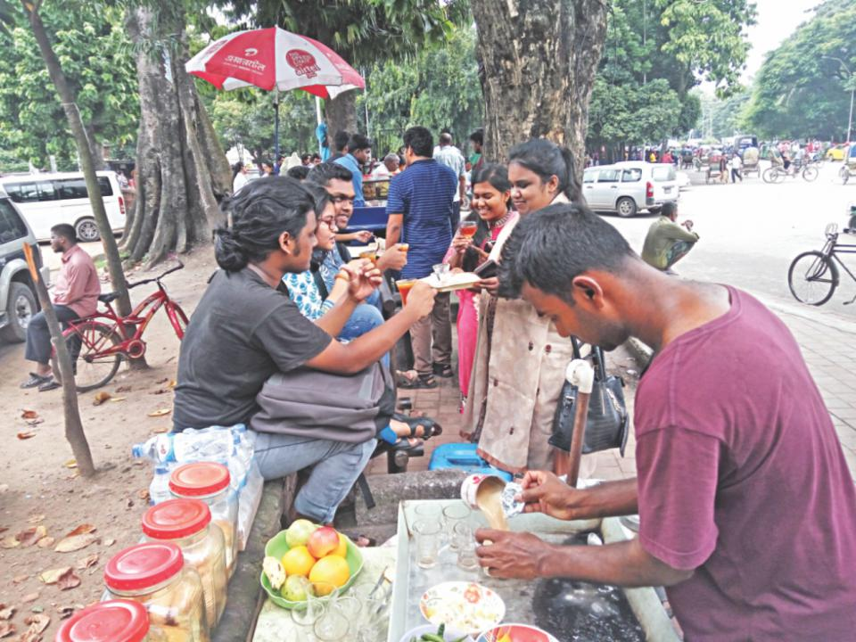 A day after closure, TSC tea stalls reopen