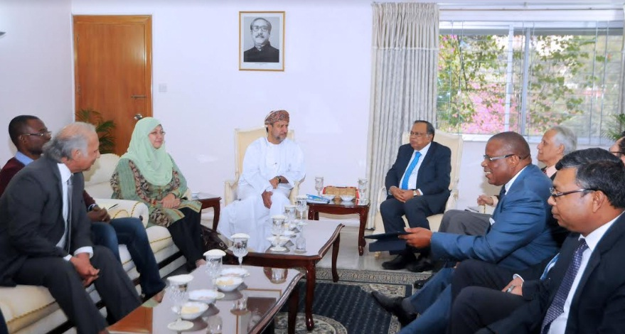 OIC team discusses Rohingya issue, their repatriation